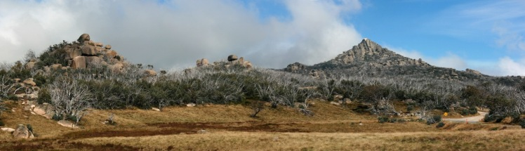 The_Horn_Pano,_Mt_Buffalo_Nat_Pk,_jjron,_1.4.2011 (2)